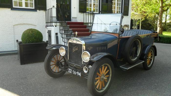 T-Ford 100 jarig bestaan